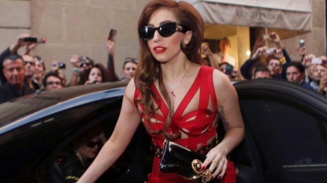 Lady Gaga Tweets Racy Images Before Concert