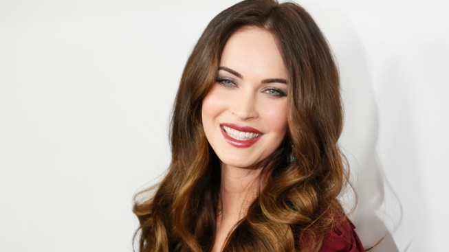 """Megan Fox Joins Twitter, Admits She's """"Late to the Party"""""""