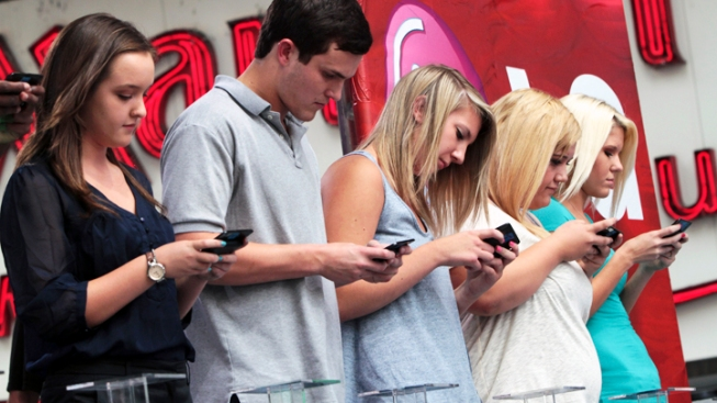 Wisc. Teen Crowned Fastest Texting Champ in NYC
