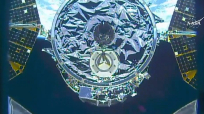 1st Space Station Shipment in Months Arrives Just in Time for Christmas