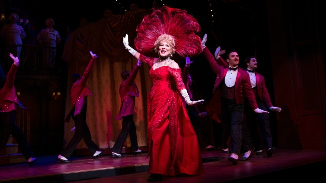 Bette Midler Lights Up Broadway in 'Hello, Dolly!'