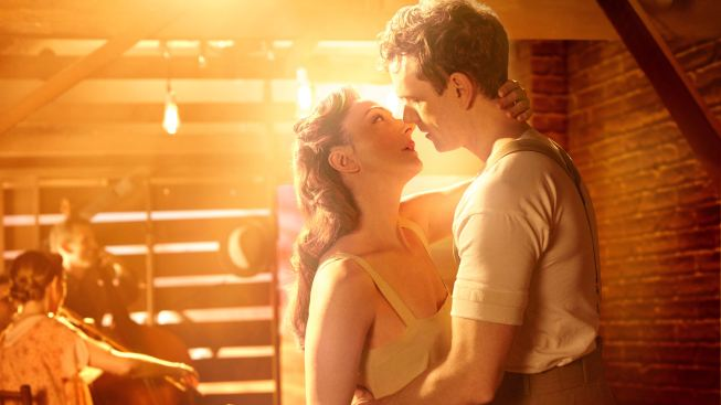 Steve Martin and Edie Brickell Hitch Wagons to 'Bright Star'