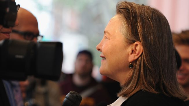 "At City Center, Cherry Jones Keeps the ""Cradle"" Rocking"