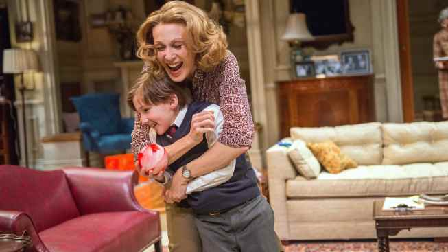 "Review: Jan Maxwell Speaks Up in ""The City of Conversation"""