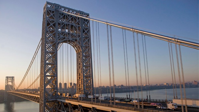 2-Hour Delays After Accident Shuts Down Upper Level Lanes of George Washington Bridge