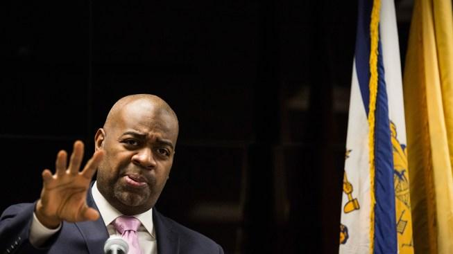 NYC Program Pays for Homeless Participants to Move Into 'Uninhabitable' NJ Apartments, Newark Mayor Says