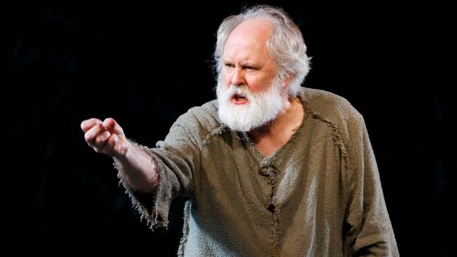"Review: Lithgow's ""Lear"" a Crowning Achievement"