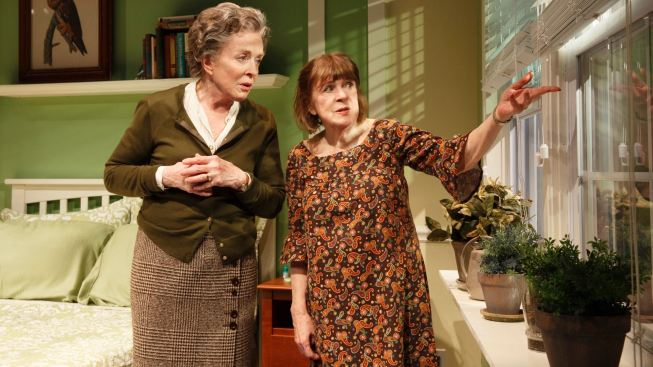 Marylouise Burke, Holland Taylor Star in Knotty 'Ripcord'