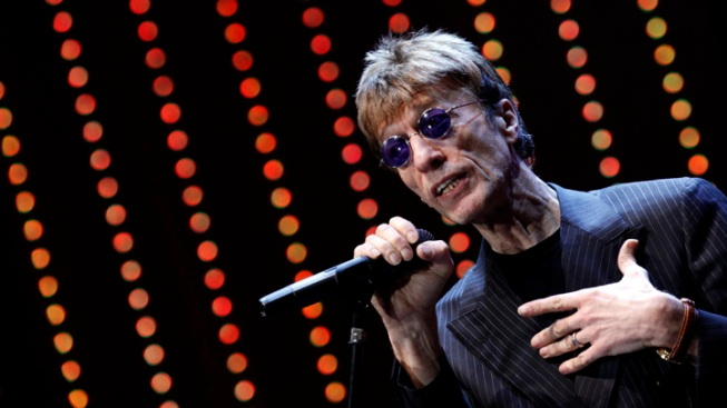 Bee Gee Robin Gibb Wakes From Coma