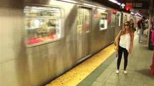 Cellphone Service Coming to 6 NYC Subway Stations