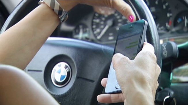 New Jersey Raises Fines for Using Phones While Driving