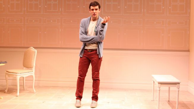 "Michael Urie's ""Buyer & Cellar"" Extends at Barrow Street Theatre"