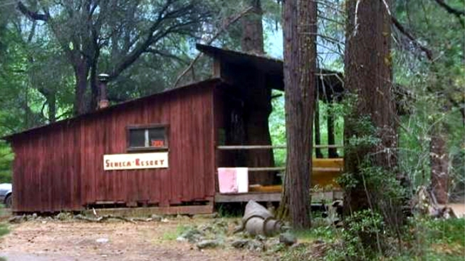 """Calif. Craigslist Ad: """"Ghost Town with Liquor License"""""""