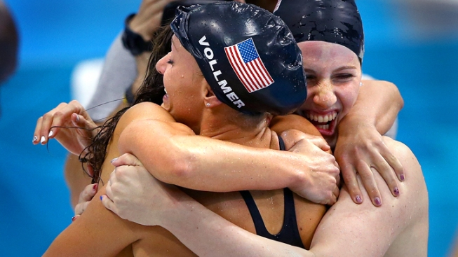 U.S. Women Set World Record to Win Medley Relay