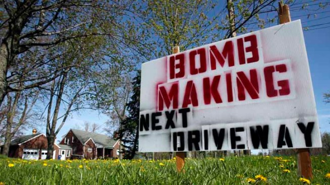 """Man Posts """"Bomb Making"""" Sign By Mosque"""
