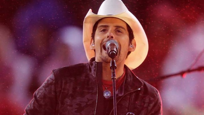 "Brad Paisley Talks ""Accidental Racist"" Duet With LL Cool J"