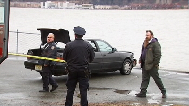 Hudson River Plunge Was Possible Suicide Attempt: Cops