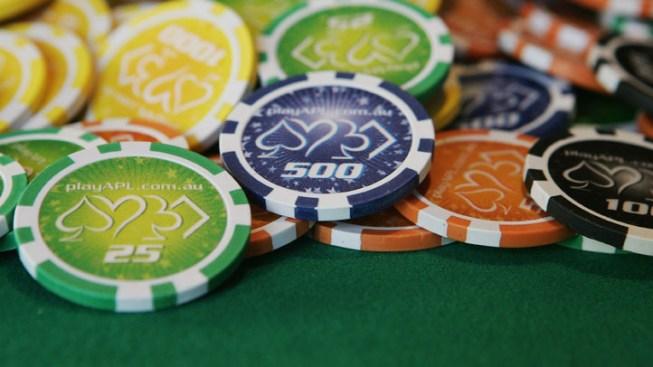 Cuomo Says NY Considering Commercial Casinos