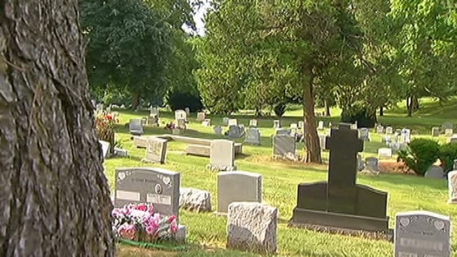 Father Buries Wrong Man After Coroner's Mistake