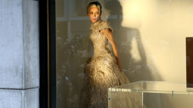 Daphne Guiness Wanted to Highlight Isabella Blow with Barneys Windows Stunt