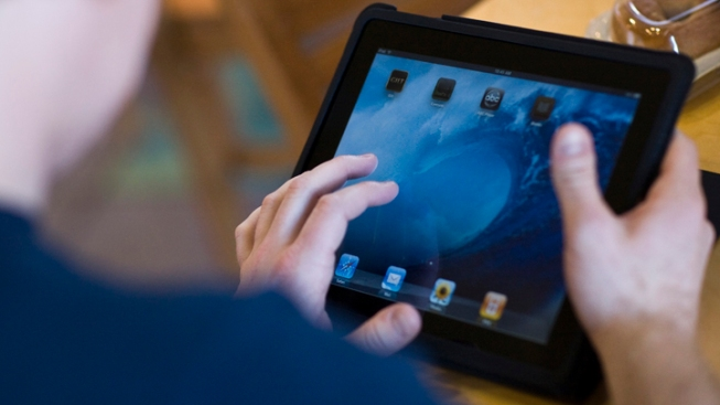 Judge: iPad Fraud Suspect Can't Go Online