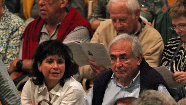 Strauss-Kahn, Wife Attend Concert in Mass.