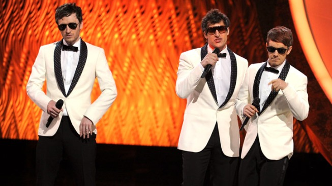 2011 Emmys Show Delivers More Highs Than Lows