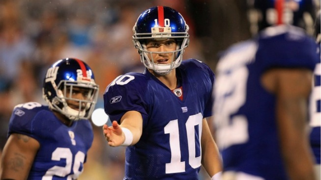 Eli Manning Flashes a Little Confidence