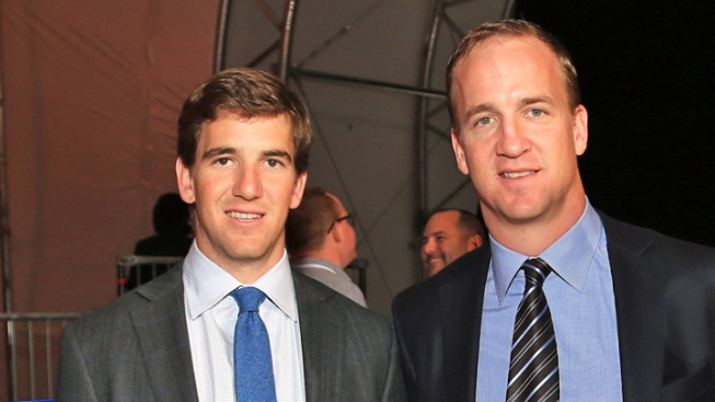 Eli Looks to Lead Big Blue to Victory in Manning Bowl III