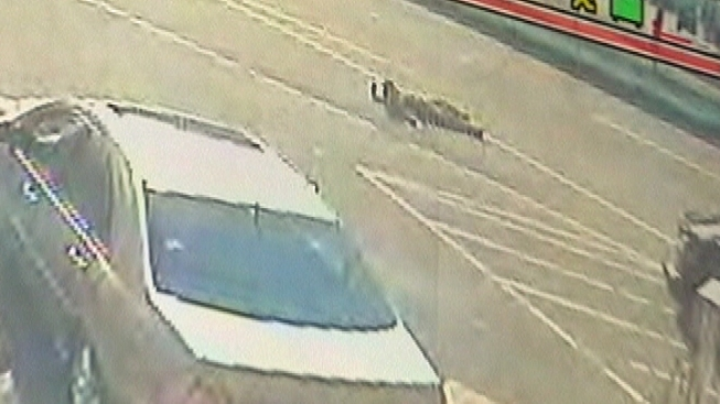 Gas Thief Drags Station Attendant With Getaway Car