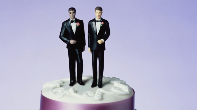 "NYC Restaurant Cancels Gay Couple's Wedding for ""Bad Feng Shui"": Suit"