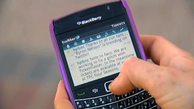 Cuomo OKs Texting-Driving Bill