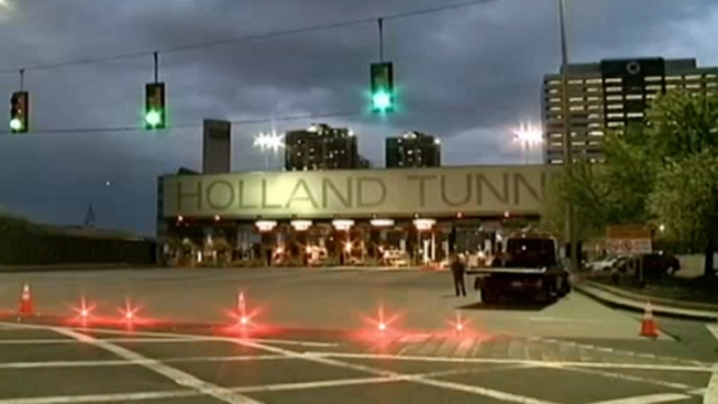 Cops Probe Motive in Holland Tunnel Chase, Shooting