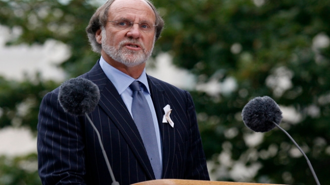 "Corzine Says He Never Authorized ""Misuse"" of Money"