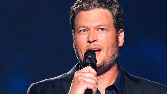 """Blake Shelton, Country Stars Perform Moving """"Healing in the Heartland"""" Benefit Concert for Okla. Tornado Victims"""