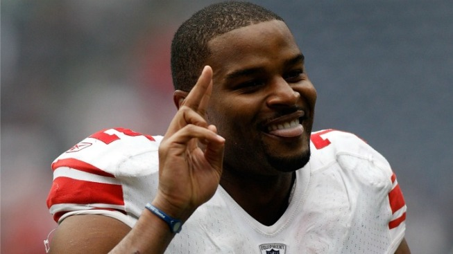 Giants Lose Osi Umenyiora to Falcons in Free Agency