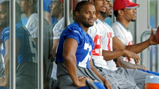 Giants Start Trying to Fix Osi Umenyiora Mess