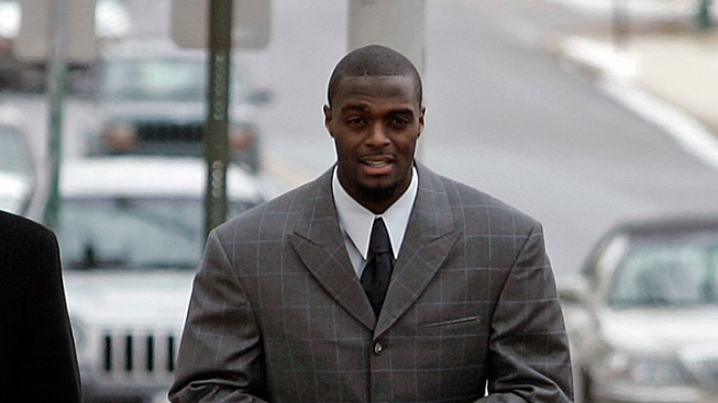 Plaxico to Be Released from Prison 3 Months Early