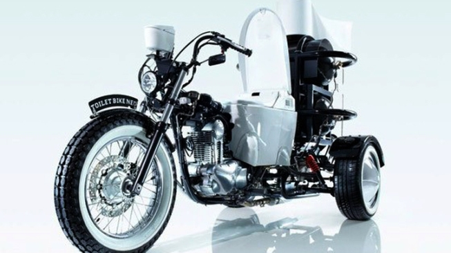 Motorcycle Powered by Sewage, Has Toilet for Seat