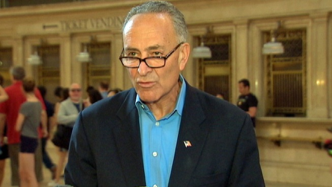 Schumer: Tracking Shoppers Through Phones Invasive