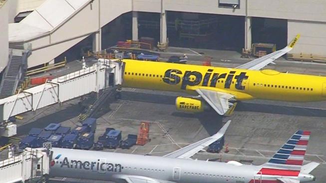 Fumes Prompt Return of Spirit Jet to Los Angeles