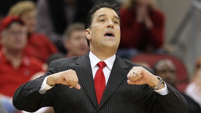 St. John's Coach Lavin to Miss Game Against Top-Ranked Kentucky
