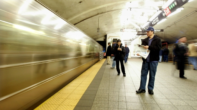 Subway Crew Suspended Over Open-Door Incident
