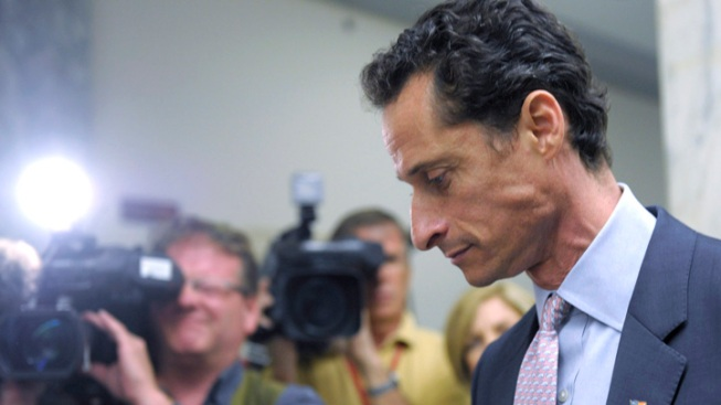 Feds Weighing Child Porn Charges Against Anthony Weiner: Sources