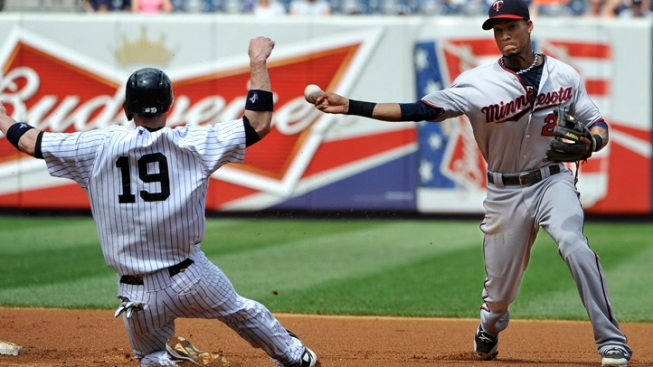 Sloppy Yankees Lose to Twins 10-4