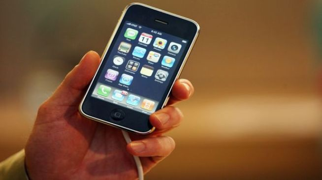 """Pull My Finger"" iPhone Rivals Go To Court"