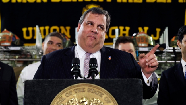 Chris Christie Puts Weight Issue on the Table
