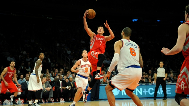 Lin Leads Rockets' Rout in Return to New York