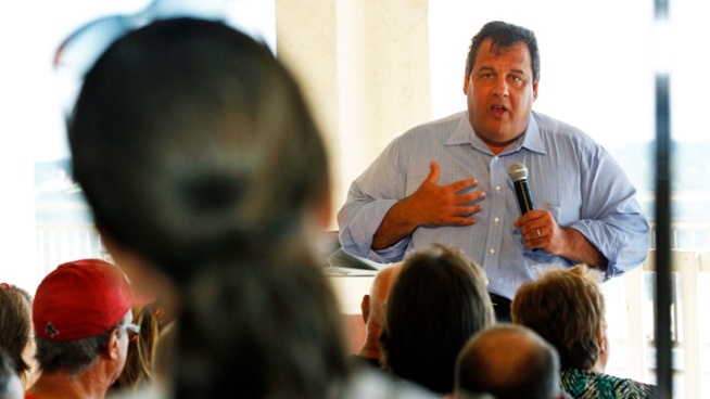 NJ Teacher Confronts Christie, Gets Apology
