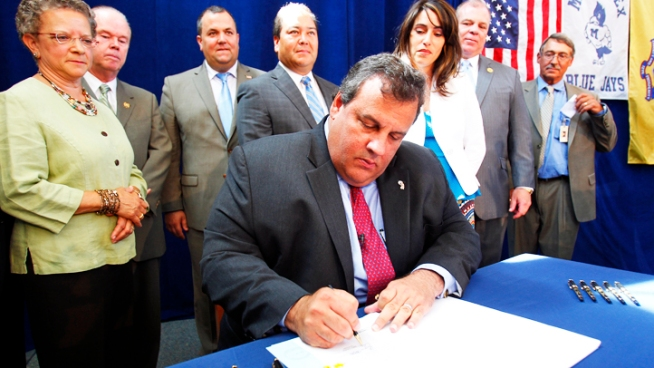 Christie Signs Major Teacher-Tenure Overhaul